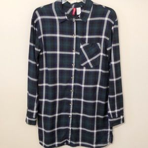 H&M oversized collared top navy & green plaid